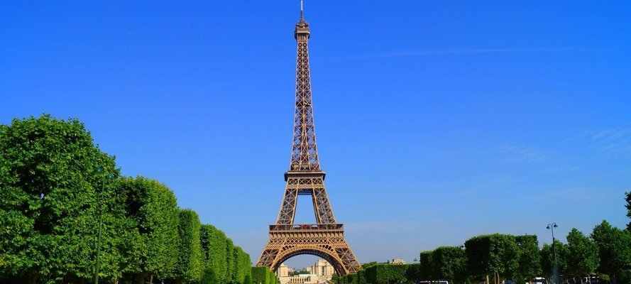 Travel from Amsterdam to Paris - Tour