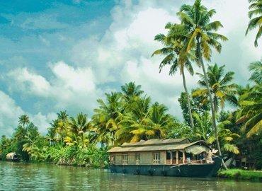 Kochi - Munnar - Thekkady - Houseboat - Tour