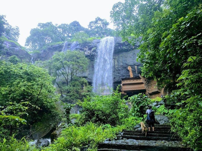 Kondane Cave Waterfall Trek - Tour