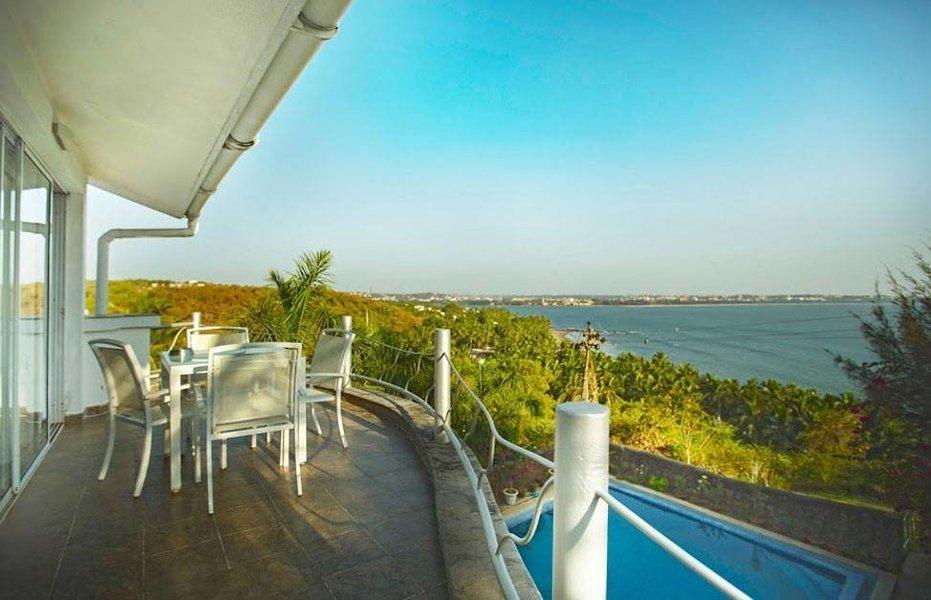 4 bedroom ocean view villa Reis Magos - Tour