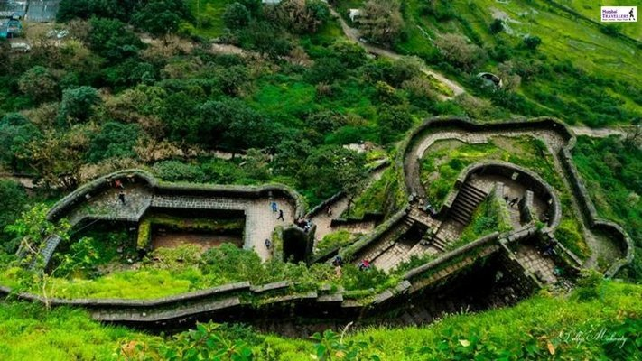LOHGAD FORT TREK & BHAJE CAVES - Tour