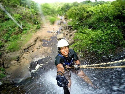 KONDANA WATERFALL RAPPELLING AT KARJAT - Tour
