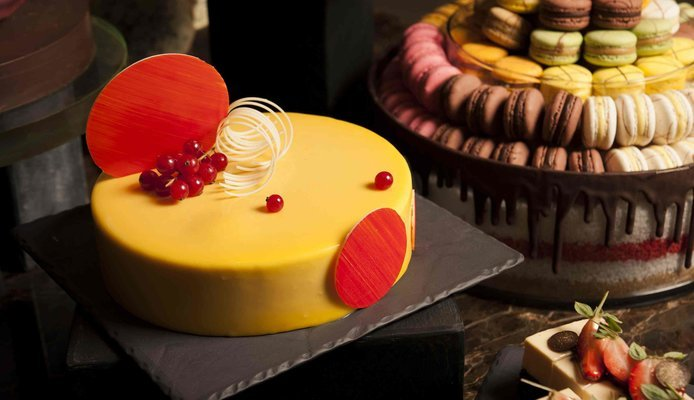 Customized any flavoured (1/2 Kg) Cake, Honeymoon Specials in Singapore - Tour