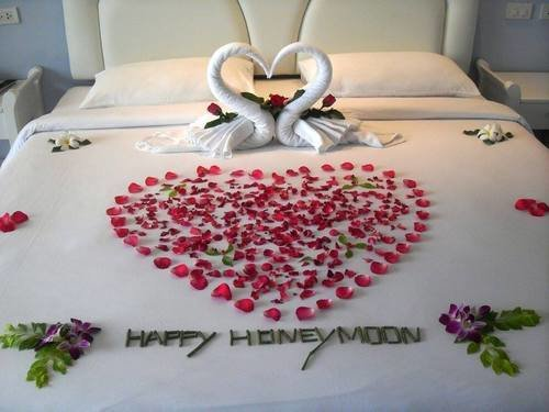 Room Decor, Honeymoon Specials in Singapore - Tour
