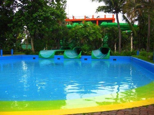 Splash Island Laguna, Sightseeing in Manila - Tour