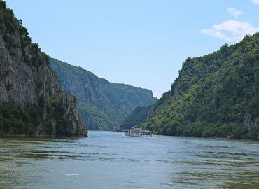 1.200 Miles on the Beautiful Blue Danube from Vienna - Tour