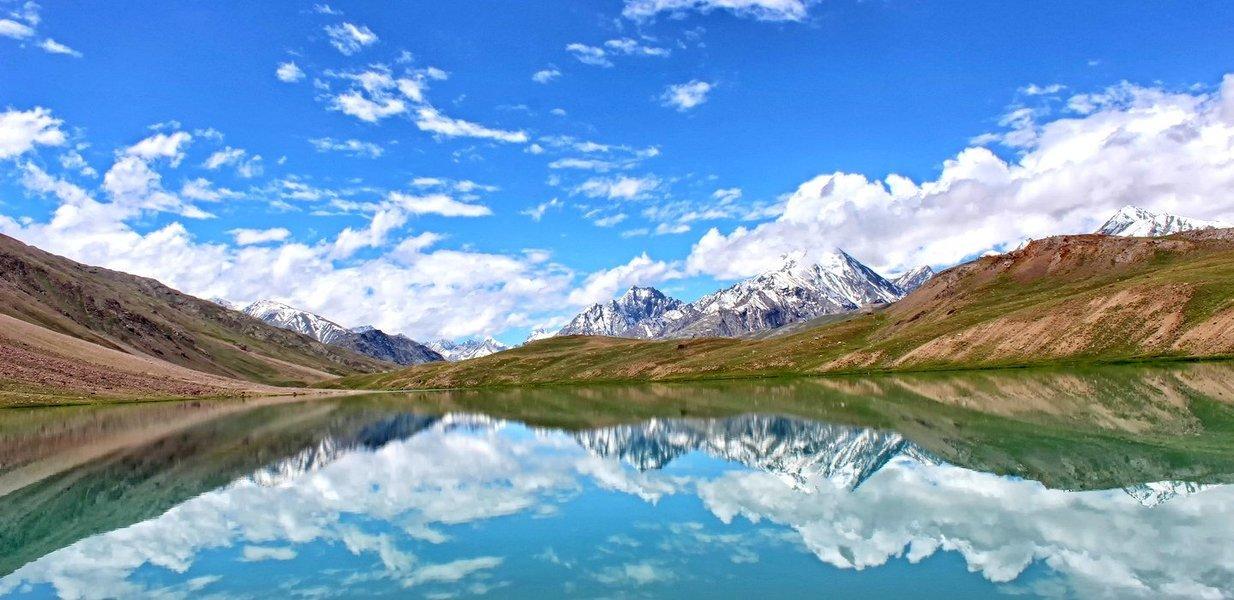 Trek to Hampta Pass and Chandratal - Himalayas - Tour