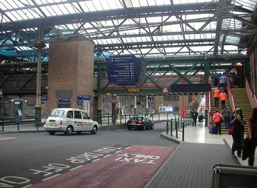Transfer from Waverley Train Station to Edinburgh Hotel, Private Transfers in Edinburgh - Tour