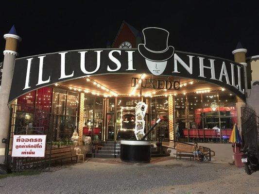 Tuxedo Illusion Hall Tour Tickets in Pattaya - Tour