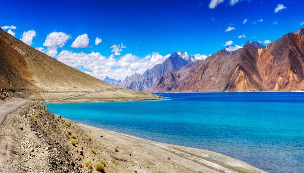 Ladakh - Walk on Frozen Pangong - Tour