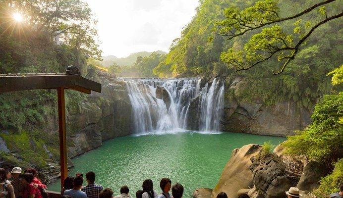 Pingxi Sky Lantern Experience & Old Street Walk, Sightseeing in Taiwan - Tour