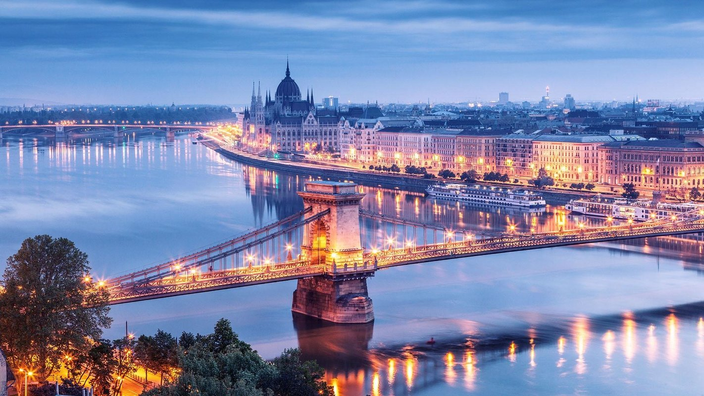 Budapest Sightseeing - Collection