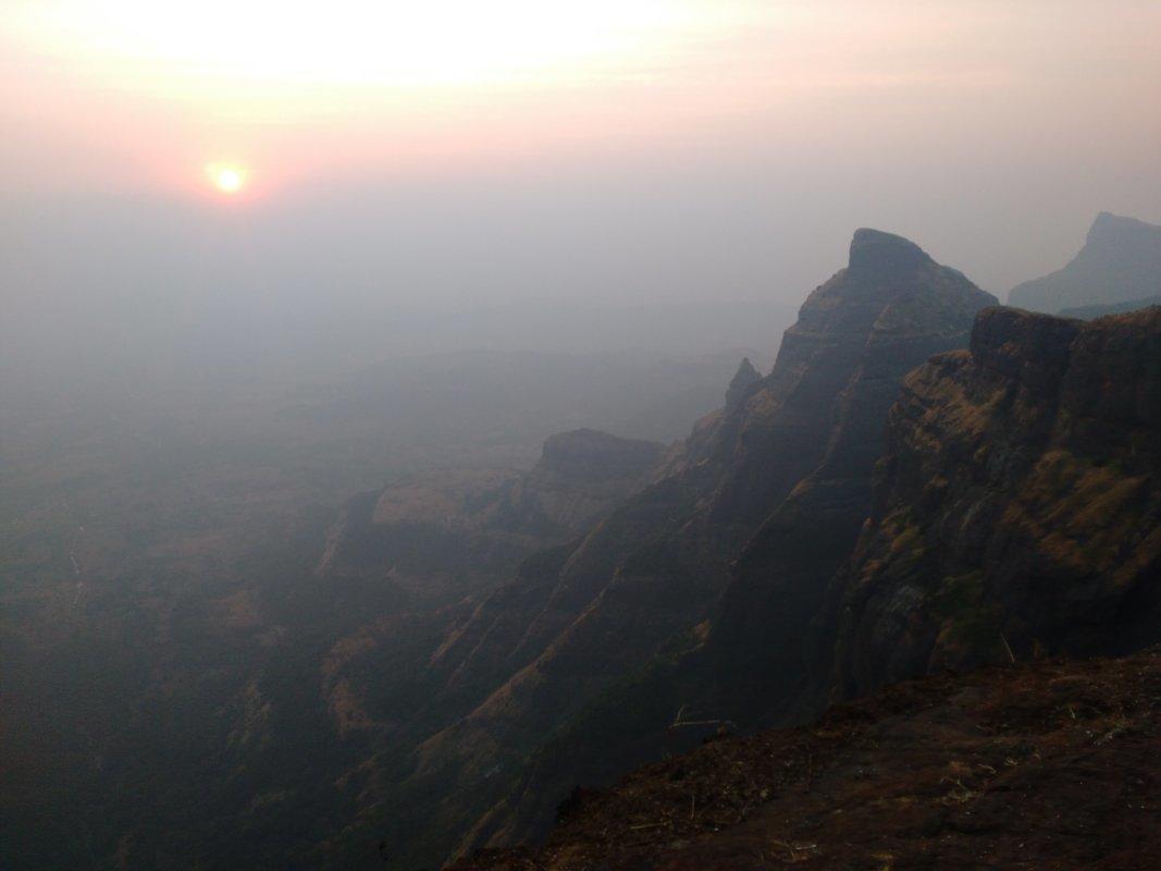 Trek to Harischandragad via Pachnai - Tour