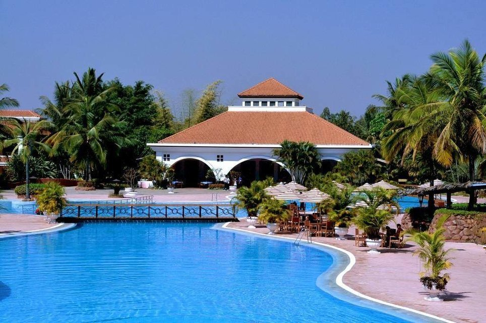 Day out at Golden Plam Resort, Bangalore - Tour