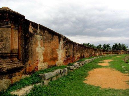 Devanhalli Fort