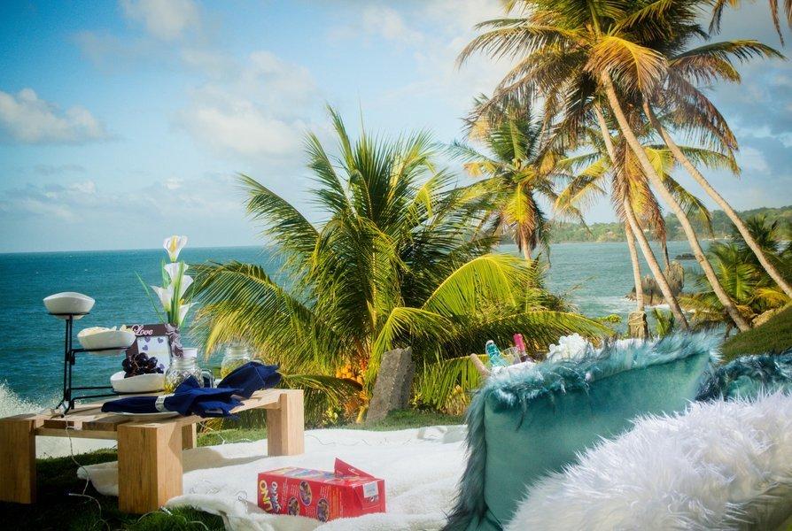 Romantic Sunset Beach Picnic - Tour