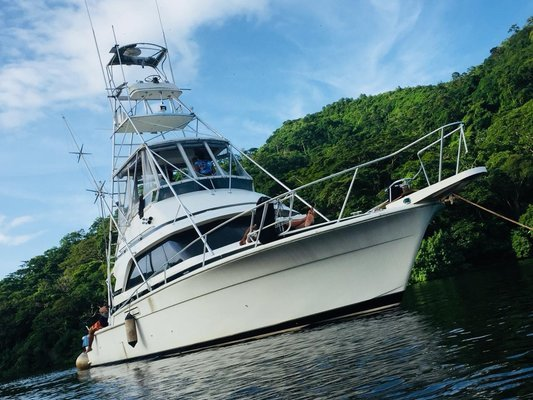A charter that keeps it reel! - Tour